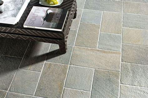 piastrelle per terrazzi resistenti al freddo le mattonelle per esterno tipologie e prezzi pavimenti