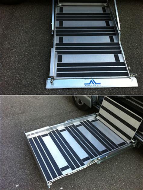pedane per disabili per auto pedane sottoscocca per ingresso laterale su furgoni per