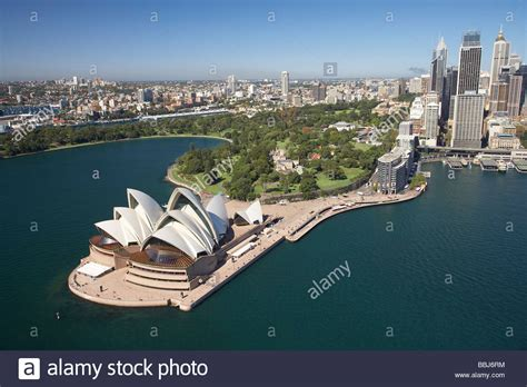 the royal botanical gardens sydney sydney opera house royal botanic gardens cbd and circular