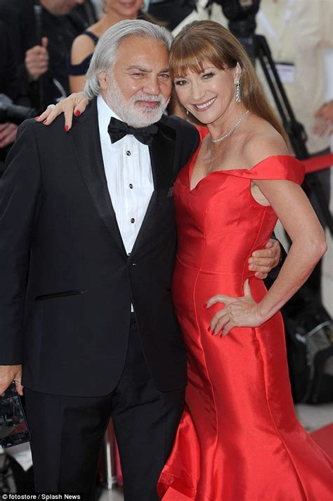 jane seymour new boyfriend jane seymour 65 stands out in scarlet off the shoulder