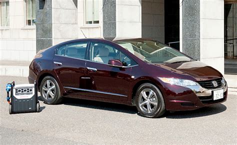 honda fcx clarity fuel cell powers japanese house for six days 187 autoguide com news