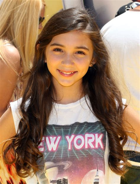 long hair with layers for tweens nick and disney tv rowan blanchard looking pretty at the