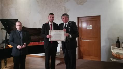 consolato italiano capodistria isola per tolentino la solidariet 224 concreta di cittadini