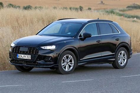 Audi Q3 Plattform by New Audi Q3 Poses For The Camera Undisguised Geeky Gadgets