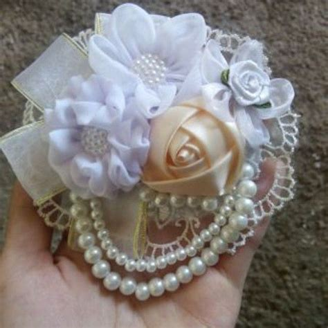 https instagram p 355pz0pa0 products i instagram brooch corsage