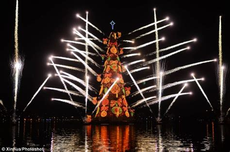 trees of lights in brazil world s largest floating tree lights up in brazil dbtechno