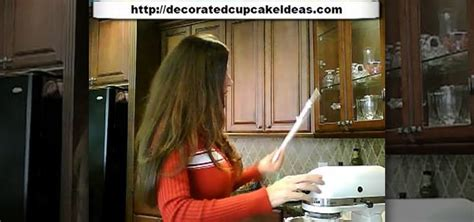 professional decorator how to make professional quality cake decorator s icing