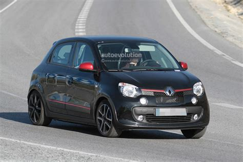 renault twingo 2015 spyshots 2015 renault twingo rs first photos autoevolution