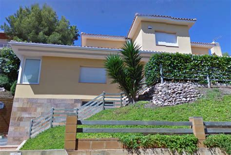 messis house lionel messi s house weird google earth