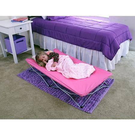 Folding Bed For Kid by 25 Best Ideas About Toddler Travel Bed On