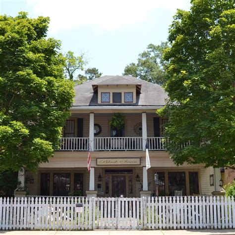 jefferson texas bed and breakfast the b b capital of texas jefferson shop across texas