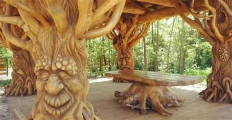 The Most Unique Crooked wonderful and wacky works of art chainsaw carving at it s