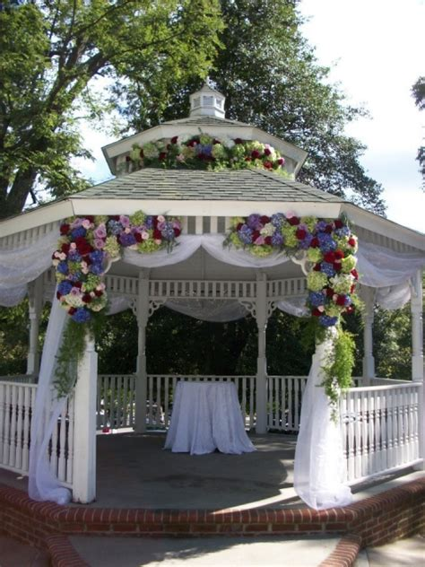 Wedding Arbor With Tulle by How To Decorate A Wedding Arbor With Tulle