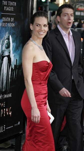 Hilary Makes A Reaping Premiere by Hilary Swank Picture 1 The Reaping Los Angeles Premiere
