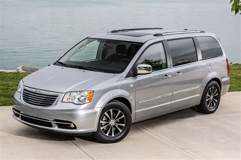 chrysler minivan 2016 chrysler town and country minivan pricing features