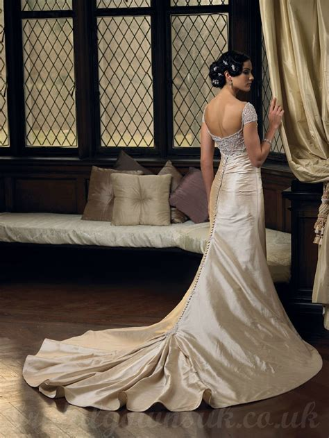 brit bradys vintage casual wedding in st louis mo real wedding dress al uk wedding dress collections