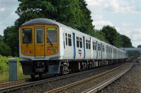 thameslink trains today 5 things we ll miss about thameslink s old trains londonist