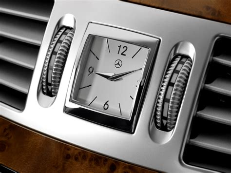 mercedes dashboard clock image gallery mercedes benz clock