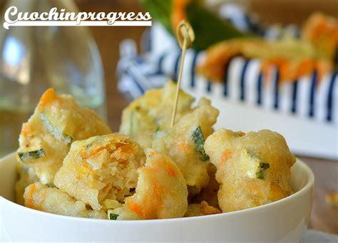 frittelle fiori di zucchine frittelle di zucchine e fiori di zucca croccanti fuori e