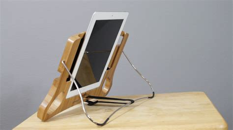 ipad bed stand video review dresuit s bamboo bed stand for ipad some
