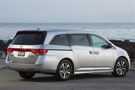 Kia Sedona Vs Honda Odyssey 2016 Kia Sedona Vs 2016 Honda Odyssey Which Is Better