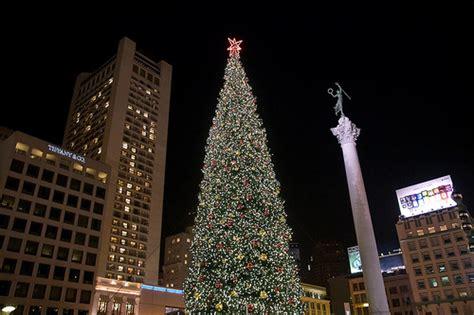 macy s holiday tree 2008 christmas tree lighting at macy