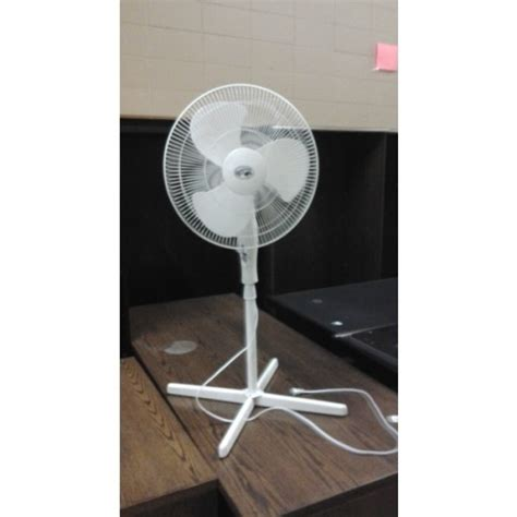 Hton Bay Floor Fan adjustable hton bay 3 setting floor fan 44 quot