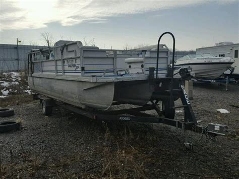 boat auctions mi auto auction ended on vin bsv17704a696 1996 boat pontoon