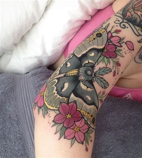 tattoo bed best 25 moth ideas on