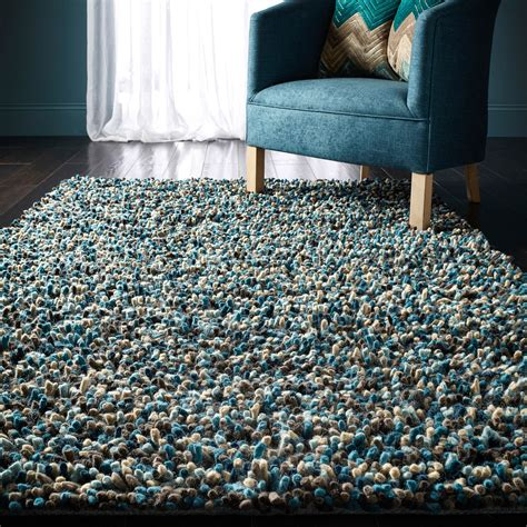 best way to clean a shaggy rug the best ways to clean and care for your shaggy rug
