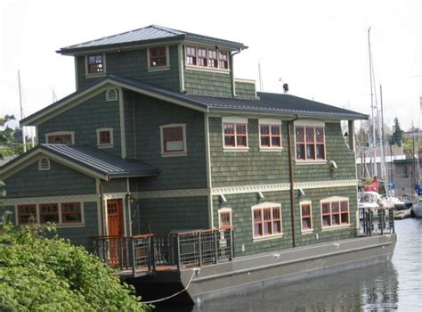 houseboat meaning 27 best floating images on pinterest houseboats tiny