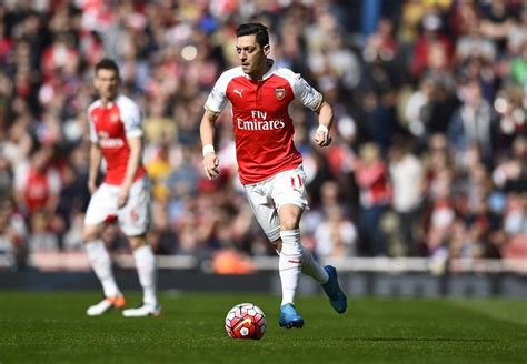 arsenal news arsenal star mesut ozil says he s in no hurry to agree