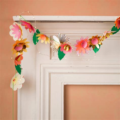 Garland With Paper Flowers - 35045376 000 a zoom2