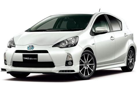 Small Toyota Cars Toyota Announced Toyota Aqua Compact Hybrid Car Audio Cars