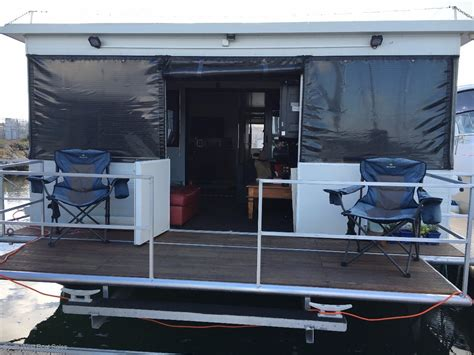 house boats wa 52ft aluminium penthouse houseboat house boats boats