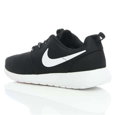 Nike Rhoserun Black White nike roshe black and white mooienschede nu