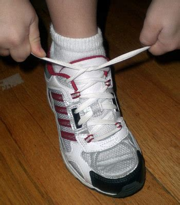 shoe tying weekend diversion i finally learned to tie my shoes