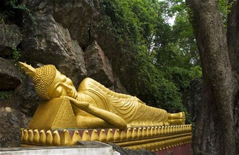 Meaning Of Reclining Buddha by Reclining Buddha Hd Wallpapers