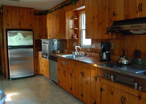 25 best ideas about pine kitchen on pinterest pine best 25 knotty pine cabinets ideas on pinterest kitchen