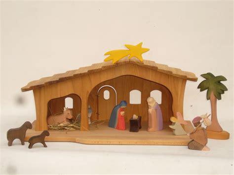 Mit Kindern Basteln Weihnachten 2440 by Krippe Mit Schindeln Weihnachtskrippe 2440 Weihnachten