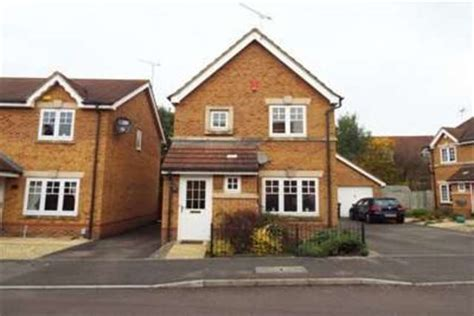 3 bedroom house for rent in swindon 3 bedroom detached house to rent in sigerson road swindon sn25