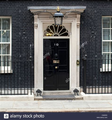 10 downing front door the front door of number 10 downing stock photo