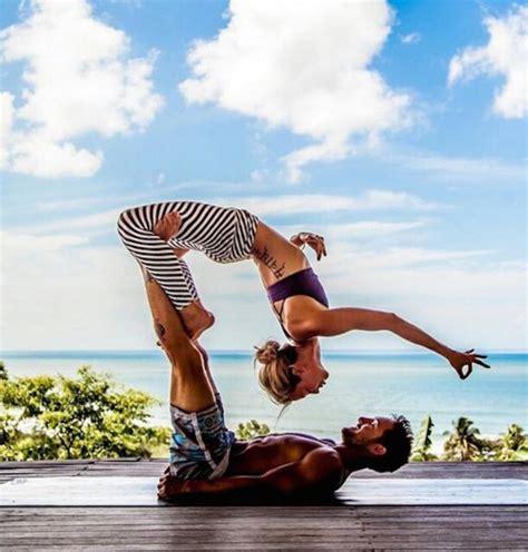 2412039267 yoga pour une vie qui l acro yoga un sport un art une pratique spirituelle