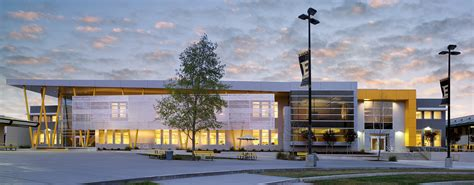 fresno architects the edison high school academic building by darden