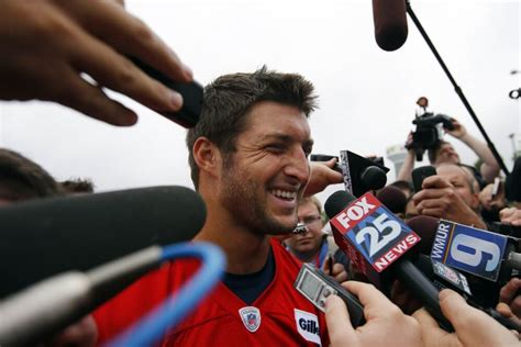 recent news on tim tebow unsigned free agent rotoworldcom tim tebow pursues career in baseball plans to hold