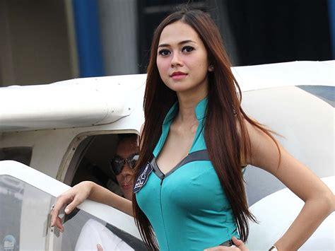 inilah deretan artis indonesia  ukuran payudara