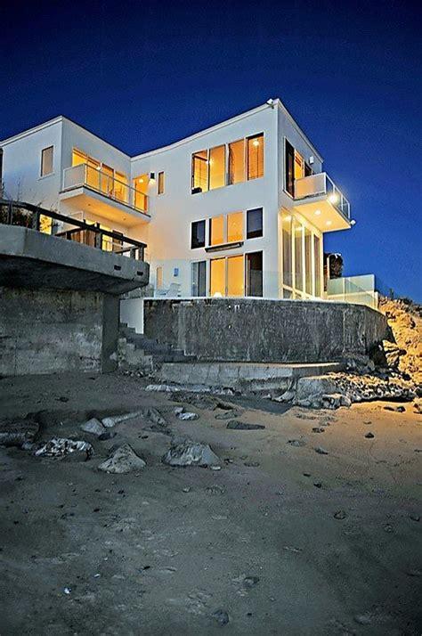 barry manilow house limelight listing barry manilow s malibu beach house sfgate