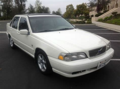find   volvo  glt sedan  door   thousand oaks california united states