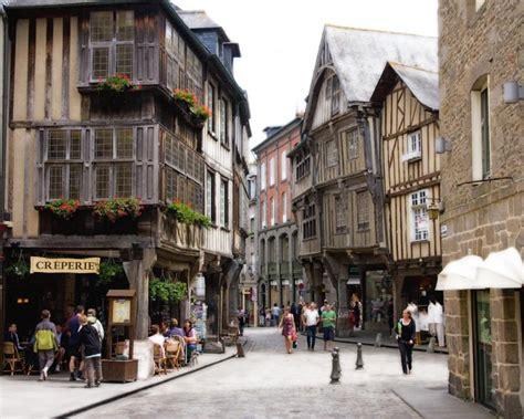 Vacances en Bretagne, visiter la ville de Dinan