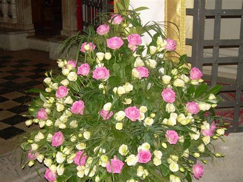 composizioni fiori matrimonio chiesa addobbi floreali chiesa regalare fiori fiori per la chiesa